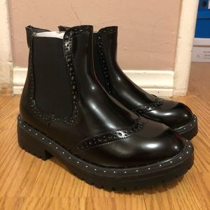 Brand new wide fit Chucky Chelsea ankle boots